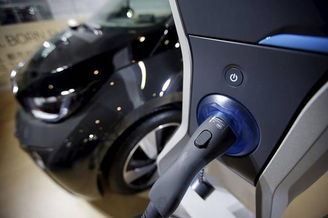腾讯富士康合资建的汽车公司将在2020年前推自动驾驶汽车