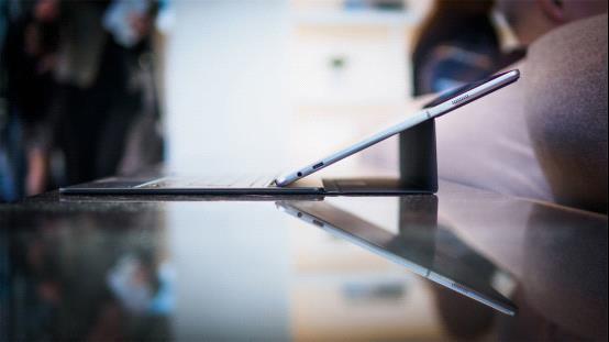 三星首款二合一电脑实现苹果未尽之梦?