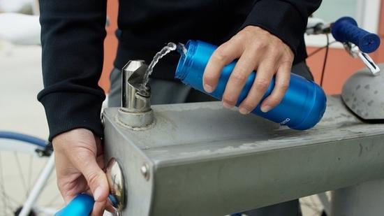 摇一摇就能检测水质的杯子,让户外饮水更安心