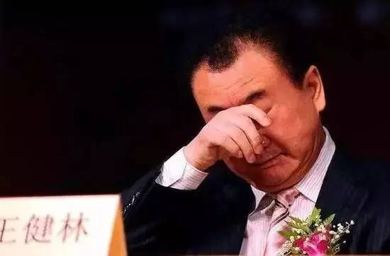 王健林的问题:不是做了太多海外投资,而是借了太多中国人的钱去做海外投资