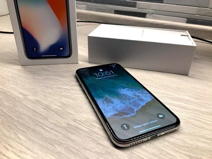iPhone X开卖三天热销,苹果要求富士康至少缩短一周供货时间