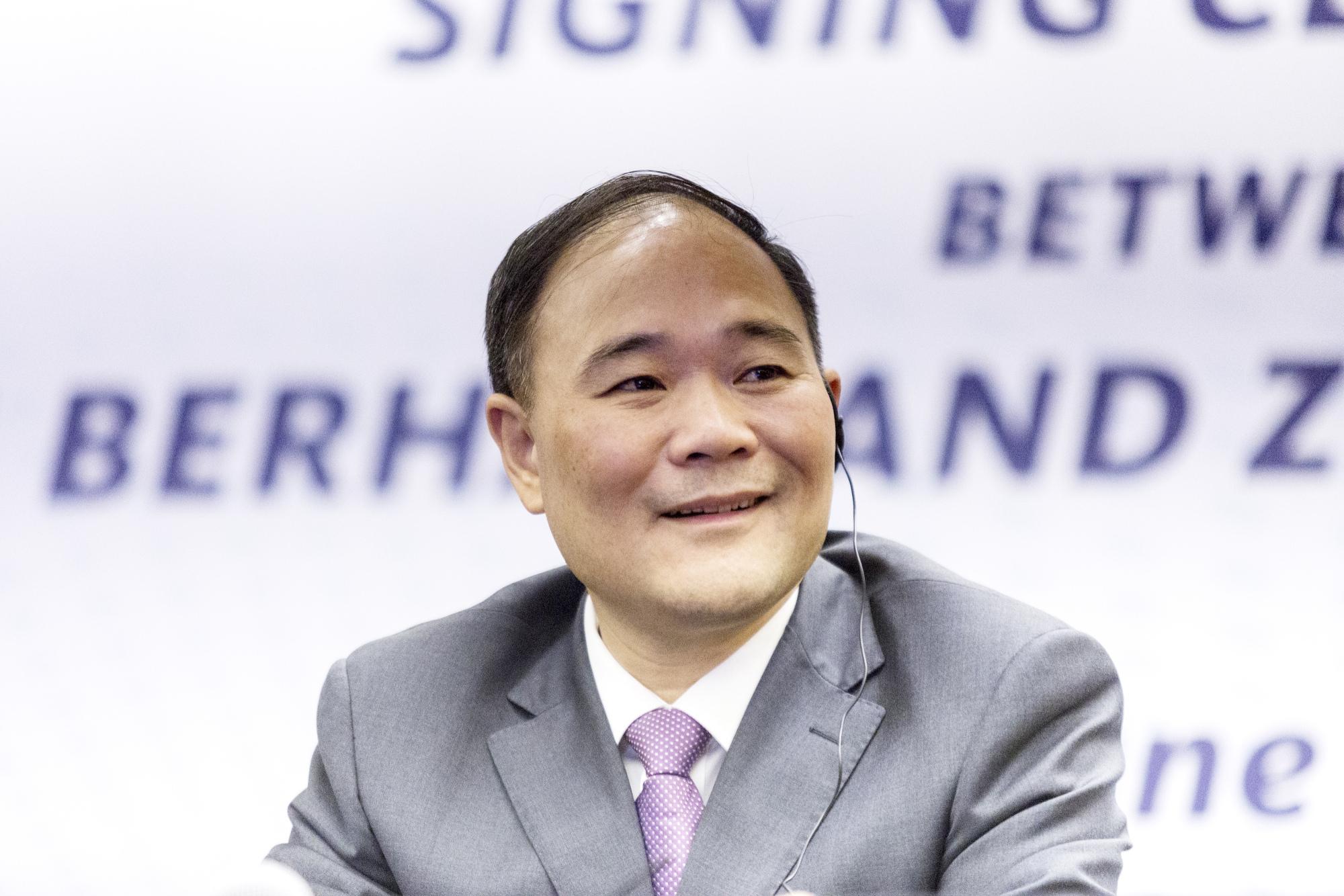 奔驰国产化还远吗?吉利李书福豪掷570亿入股奔驰成最大股东!
