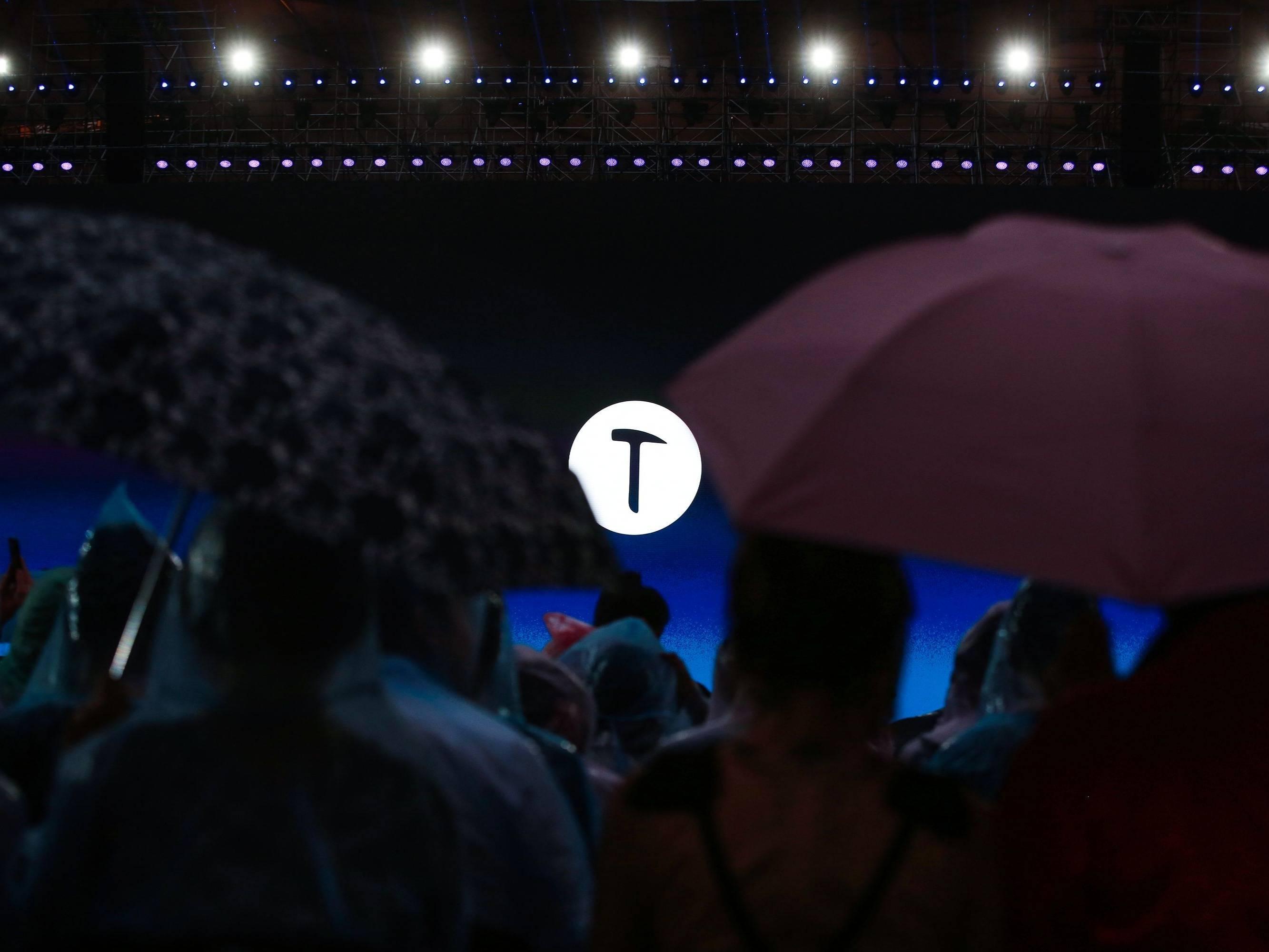 锤子发布坚果TNT工作站,未来锤子手机都叫坚果