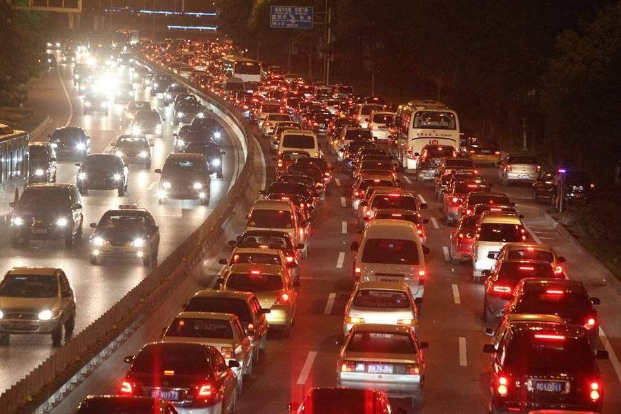 开放车牌自由交易,才是解决北京汽车总量控制的更好办法