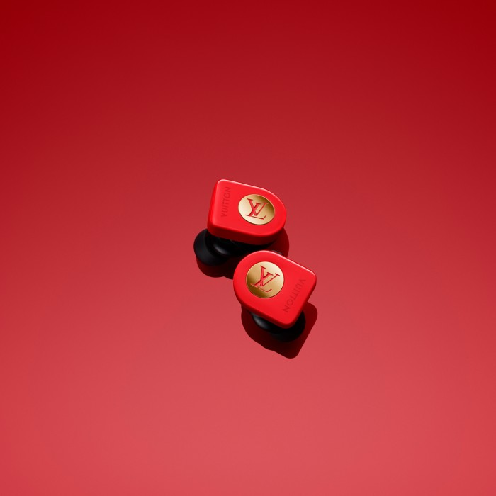 louis-vuitton-launches-1-100-wireless-earbuds-for-those-who-enjoy-wasting-money-528905-4.jpg