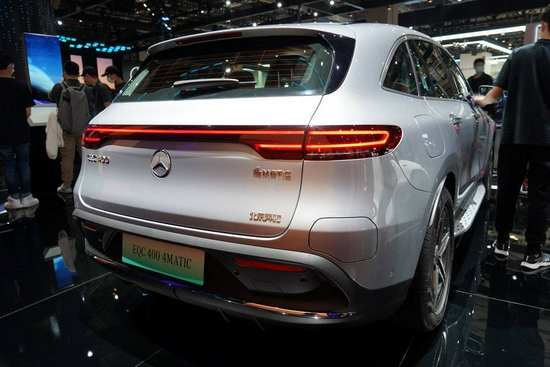 北京奔驰EQC400